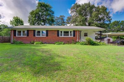 2813 Kilbourne Dr, Greensboro, NC 27407