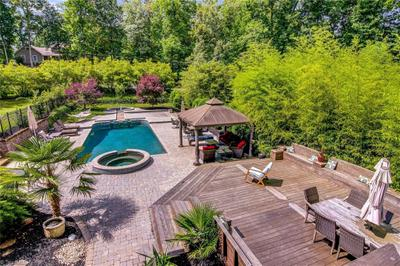 5106 Woodberry Forest Rd, Greensboro, NC 27406