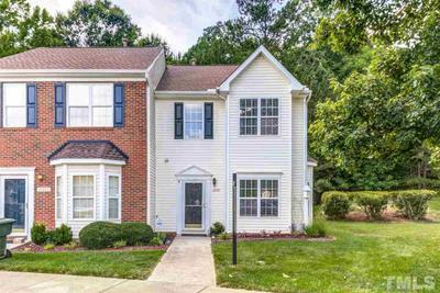 10907 Pendragon Pl, Raleigh, NC 27614