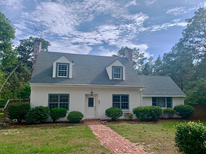 1325 Valley View Rd, Southern Pines, NC 28387 - MLS #207431