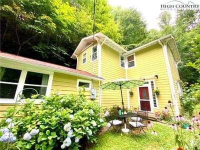 1693 Mountain Dale Rd, Vilas, NC 28692