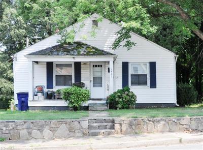 1427 Dellabrook Rd, Winston Salem, NC 27105