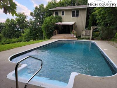 162 Tangled Stone Dr, Zionville, NC 28698