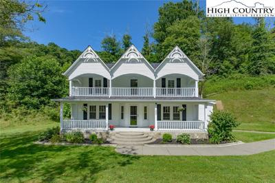 5889 Old Us Highway 421, Zionville, NC 28698