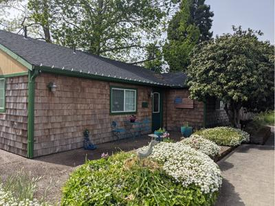 367 N Locust St, Canby, OR 97013