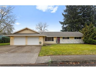 855 N Birch St, Canby, OR 97013