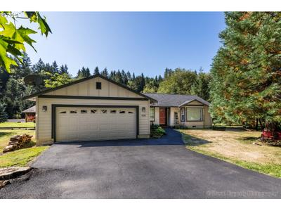 10240 Lakeview Dr, Clatskanie, OR 97016