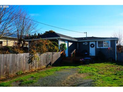 1516 Doborout St, Myrtle Point, OR 97458
