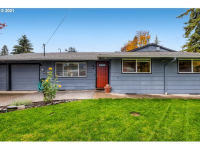 15123 Se Greenview Dr, Portland, OR 97267