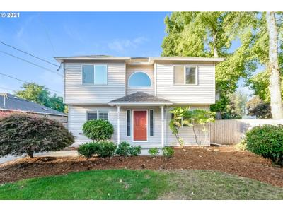 300 Ne South Shore Rd, Portland, OR 97211