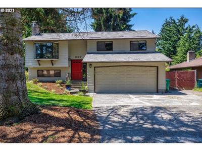 329 Ne 134th Pl, Portland, OR 97230