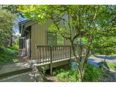 7728 Sw Barnes Rd #D, Portland, OR 97225
