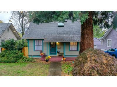 9016 N Willamette Blvd, Portland, OR 97203