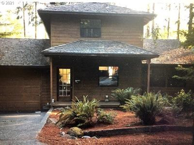 64836 E Sandy River Ln, Rhododendron, OR 97049