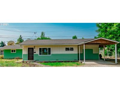 1483 E St, Springfield, OR 97477