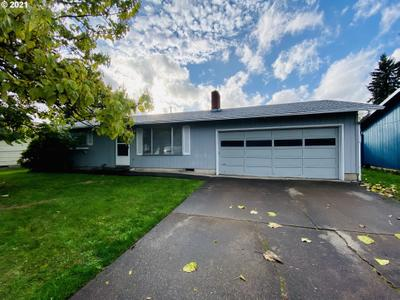 464 S 39th Pl, Springfield, OR 97478