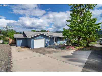341 Nw Plum Ave, Winston, OR 97496