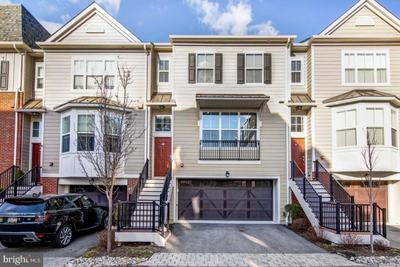 69 S Merion Ave, Bryn Mawr, PA 19010