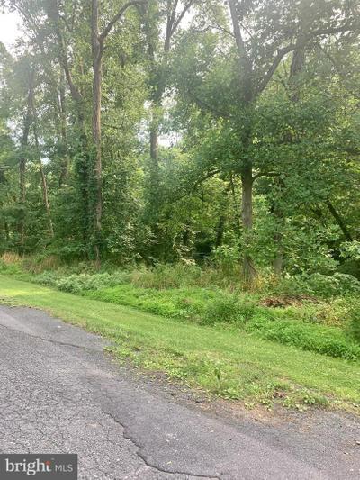 940 Dennis Cir, Harrisburg, PA 17111