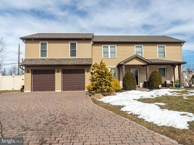 424 Bluebuff Rd, King Of Prussia, PA 19406