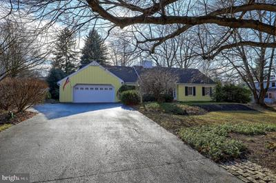1310 Meadowbrook Rd, Lancaster, PA 17603