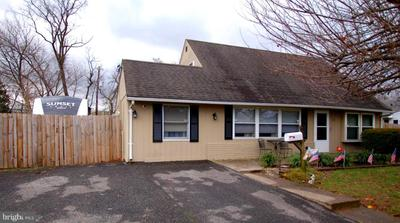 129 Mill Dr, Levittown, PA 19056