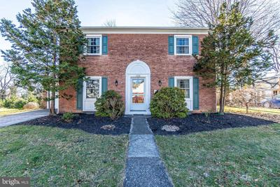 122 Westover Dr, New Cumberland, PA 17070