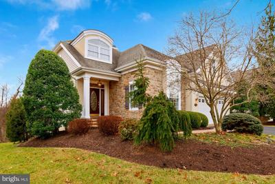 511 Falcon Pointe Dr, New Hope, PA 18938