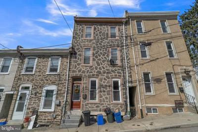 326 Carson St, Philadelphia, PA 19128
