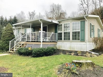 50 Katie Dr, Ronks, PA 17572