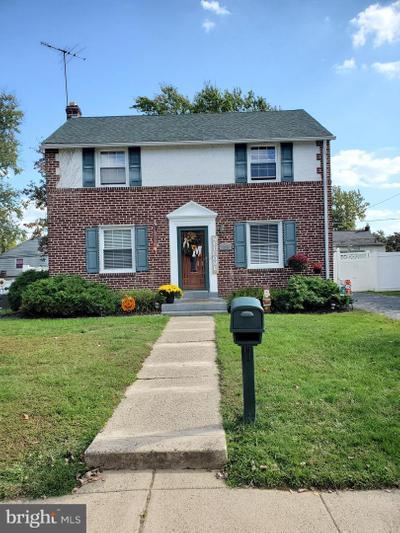 1020 Edgerton Rd, Secane, PA 19018