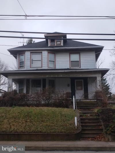 56 N Main St, Stewartstown, PA 17363