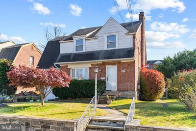 137 Maplewood Ave, Upper Darby, PA 19082