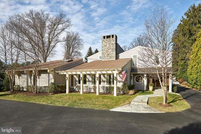 950 Parkes Run Ln, Villanova, PA 19085