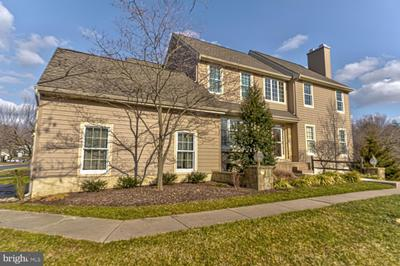 340 Lea Dr, West Chester, PA 19382