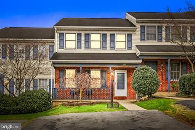 445 Robin Hill Cir, York, PA 17404