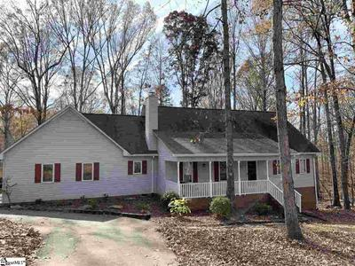 113 Hill Dr, Six Mile, SC 29682