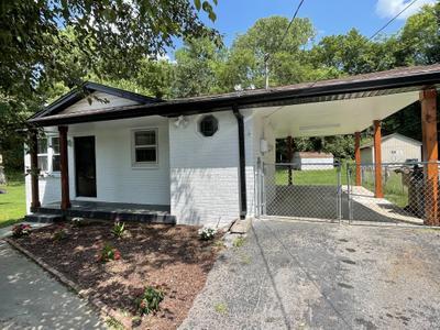 860 Oakwood Terrace Dr, Antioch, TN 37013