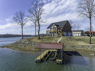 600 River Front Dr, Clifton, TN 38425