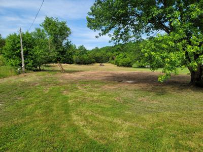 1140 Middle Fork Rd, Hartsville, TN 37074