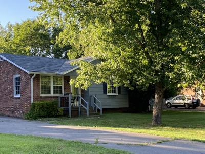 6631 Scenic Dr, Murfreesboro, TN 37129