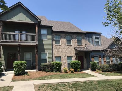 202 Walden Village Ln, Nashville, TN 37210