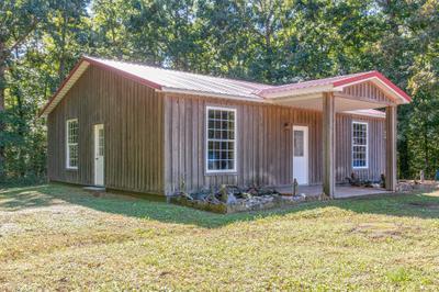 101 Indian Hills Rd, White Bluff, TN 37187