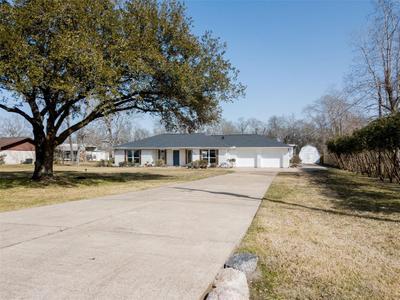 8610 Meadowlark Dr, Baytown, TX 77523