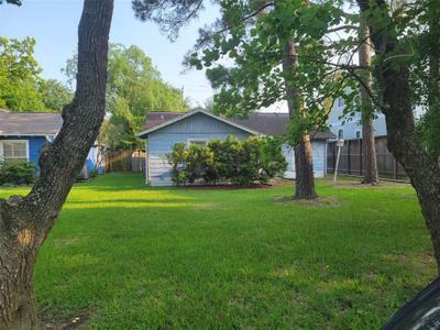 4921 Chestnut St, Bellaire, TX 77401