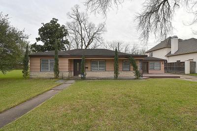 5003 Mayfair St, Bellaire, TX 77401