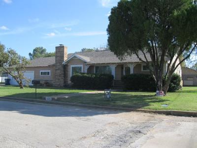 1025 W Wheeler St, Breckenridge, TX 76424
