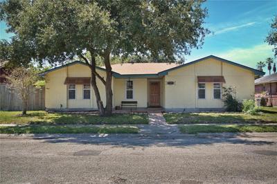 2945 River Crest Rd, Corpus Christi, TX 78415