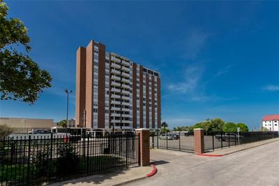 715 S Upper Broadway St #1404, Corpus Christi, TX 78401
