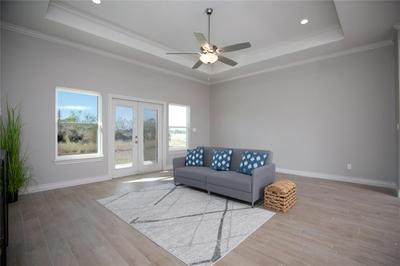 7301 Clapton Dr Image 3 of 15